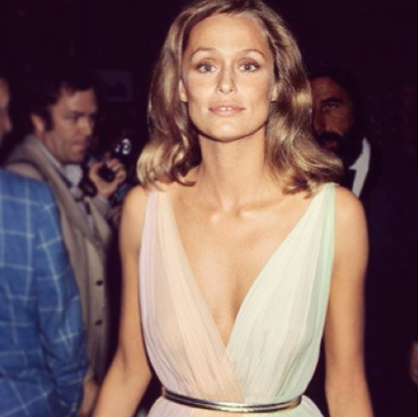 Lauren Hutton at the Oscars in 1975 | All Dolled Up
