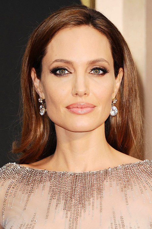 Angelina Jolie at the Oscars 2014 | All Dolled Up