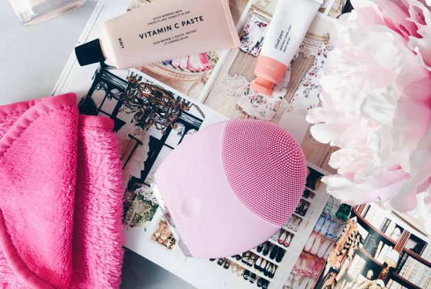 Foreo Luna 2 - Dermastore - All Dolled Up